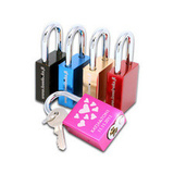Kaiverrus Love Locks™ -lemmenlukkoon